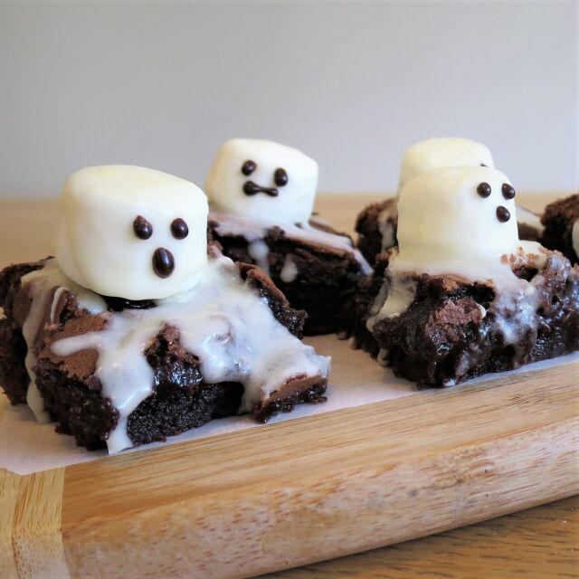We're putting together a Halloween themed box for our October subscription. Get in by the 24th to enjoy these fun little Halloween Boo Brownies. So simple, with all the dry ingredients pre-measured and weighed to make it easier for you to have some fun in the kitchen. https://www.heybaker.com.au/product/hey-baker-subscription/ #heybakerau #halloweenbrownies  #bakingwithkids #subscriptionbox #kidsrecipes
